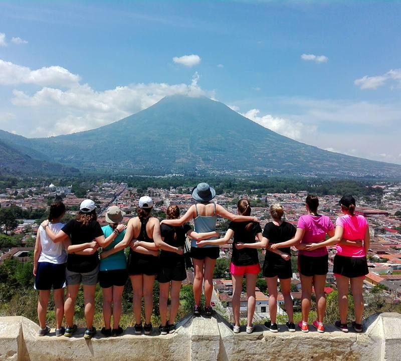 Offre de stage rémunéré – Coordonnateur(trice) de projet et accompagnateur(trice) de groupe et enseignement du français au Guatemala – 1er novembre 2019 au 31 mars 2020